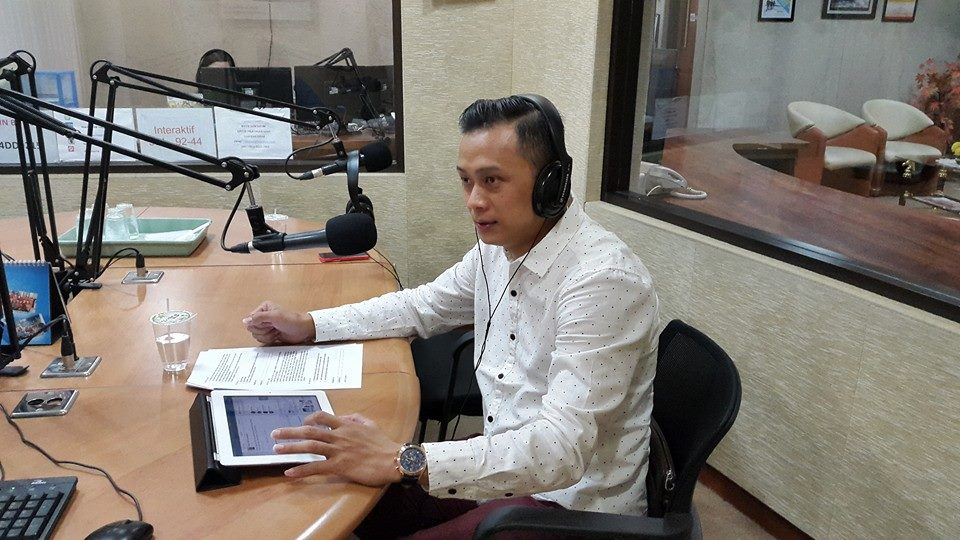 Line Art Karawaci : Radio talkshow on heartline fm rudy lim